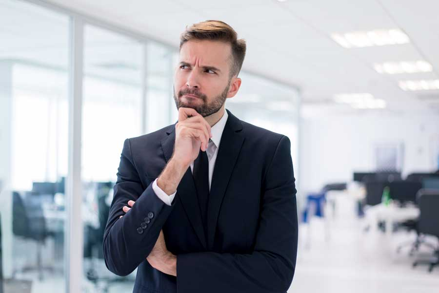 男人思考著: Google廣告成效與網頁內容之間是否有關連?