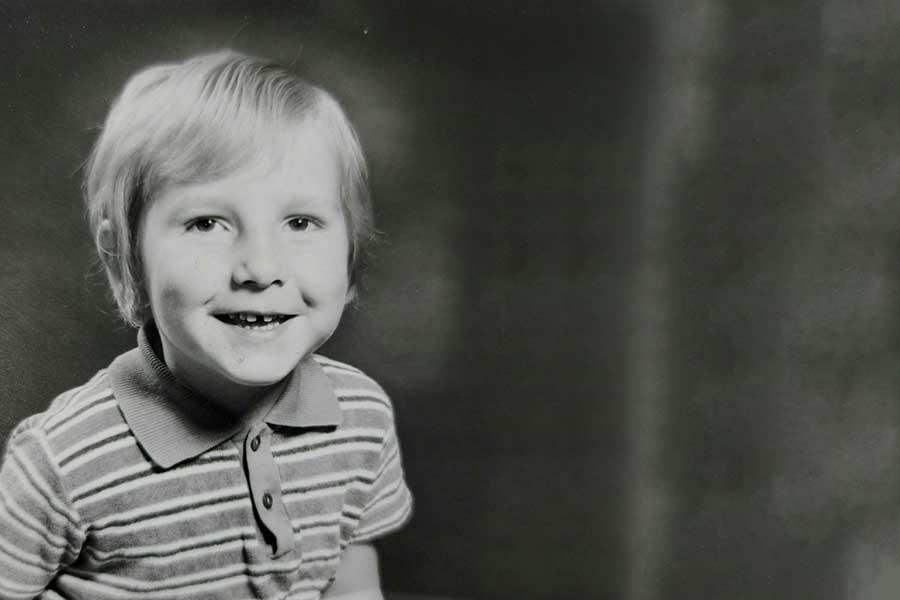 國際觀行銷行銷總監 - Nick Vivian小時候照片